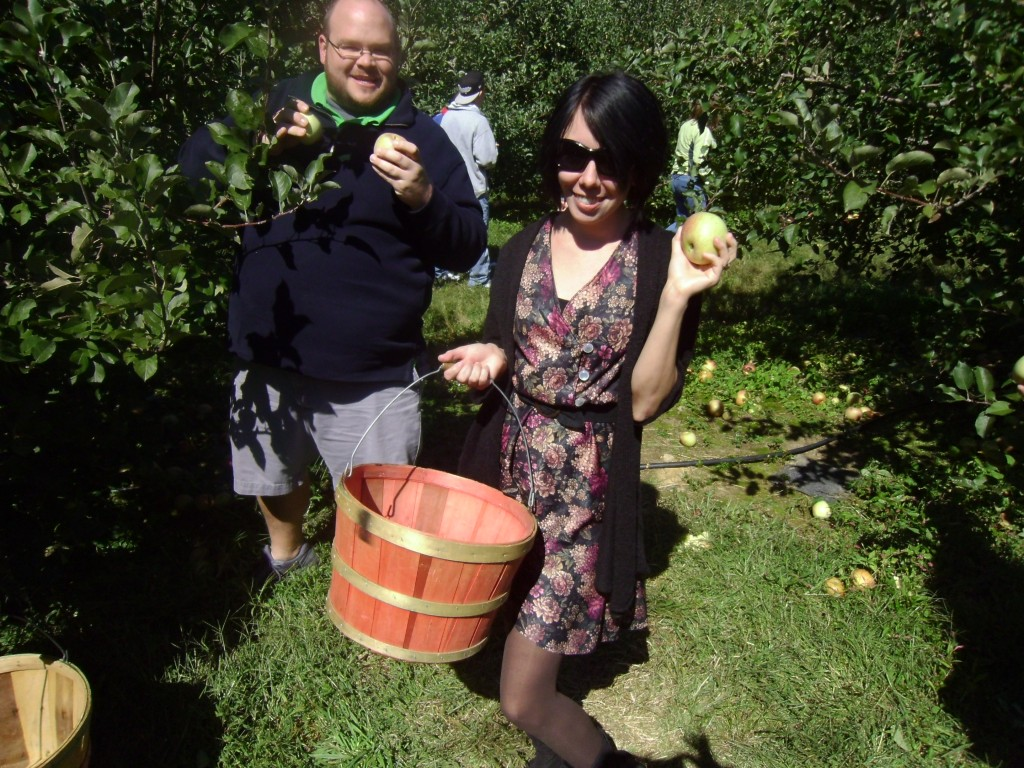 Day 95: Apple Orchard Frumpy Collared Dress Refashion 7