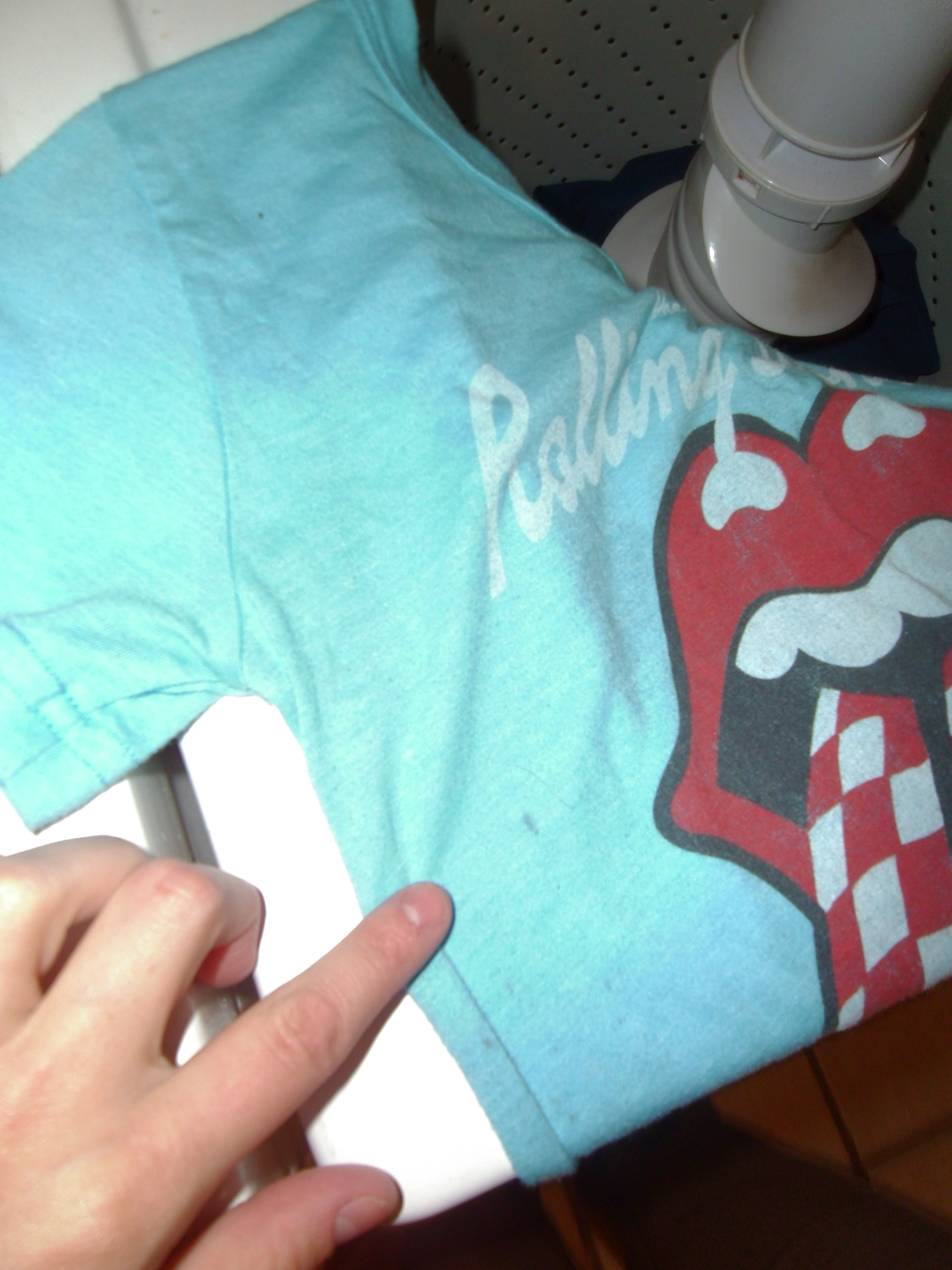 Day 107: How to Tie Dye a Logo Tee 2