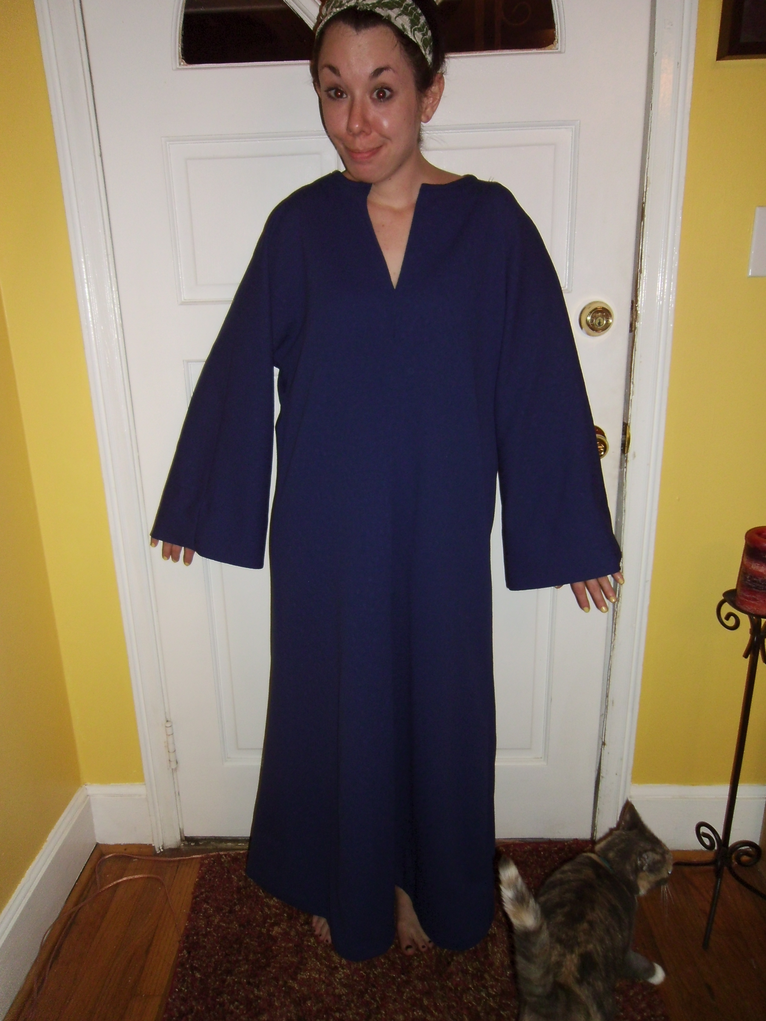 Day 160: '70s Bell Sleeve Kaftan to Dress Refashion 1