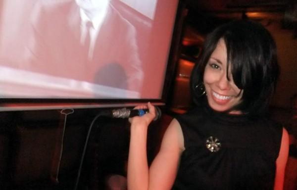 refashionista singing karaoke
