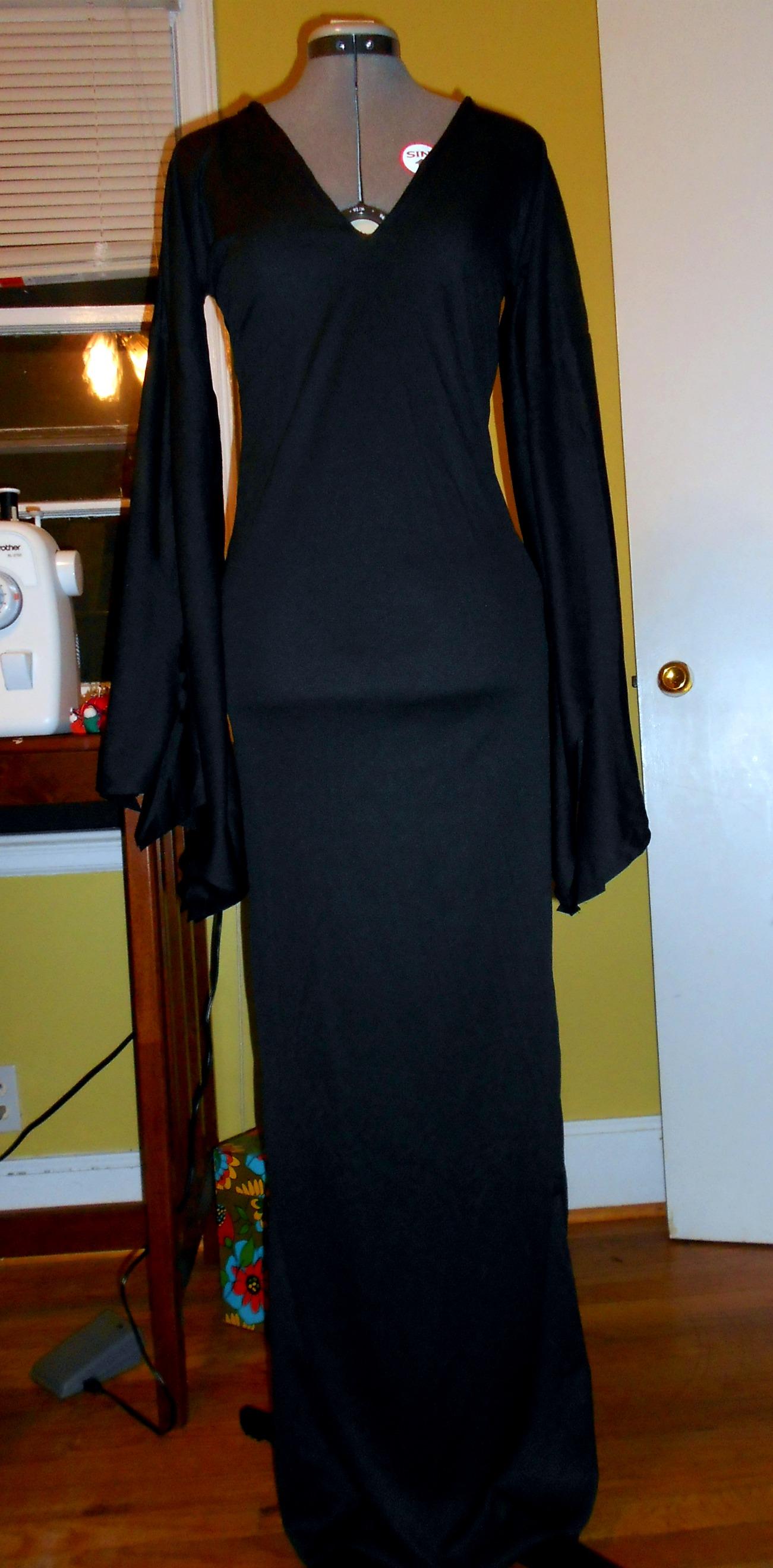 Day 252: DIY Vampira Costume 10