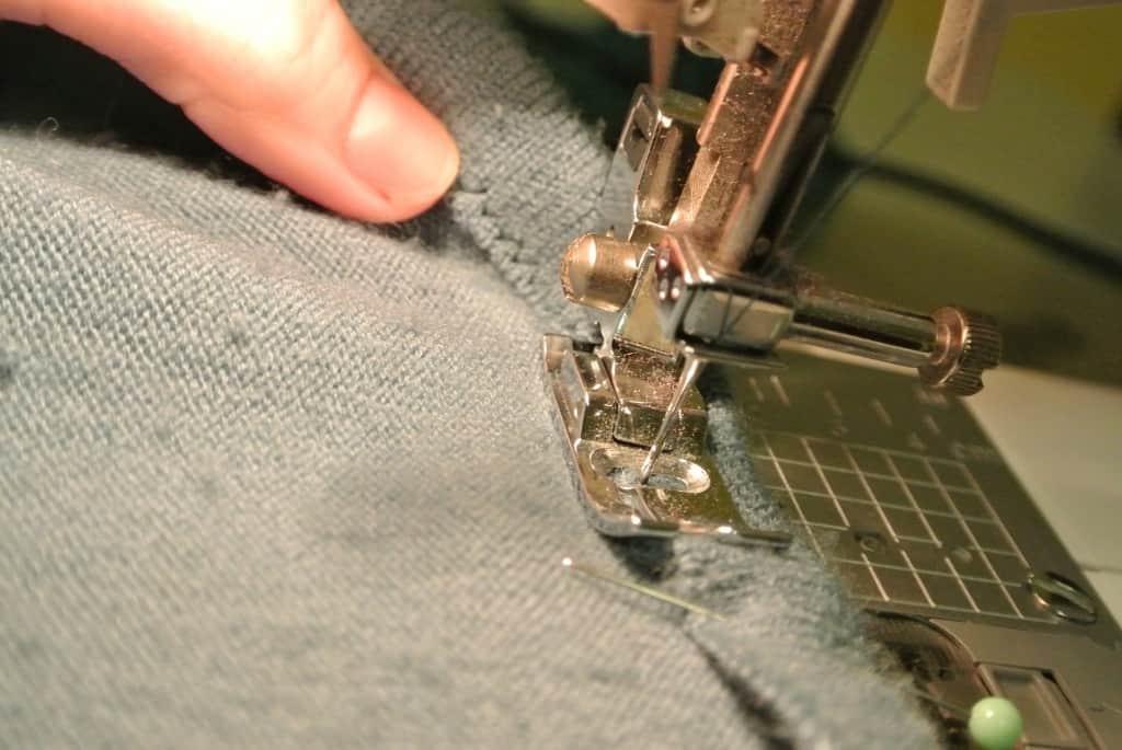 zigzag stitching sweater