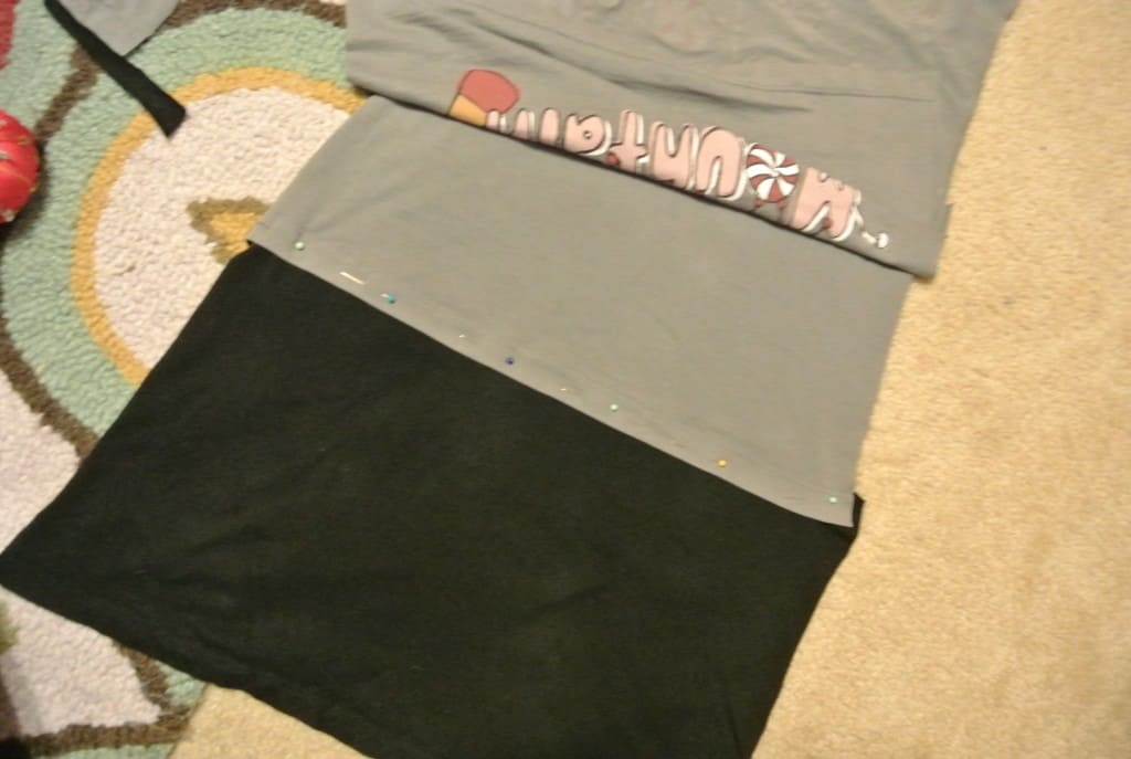 refashionista two tees one dress refashion pinning t-shirts together to make dress