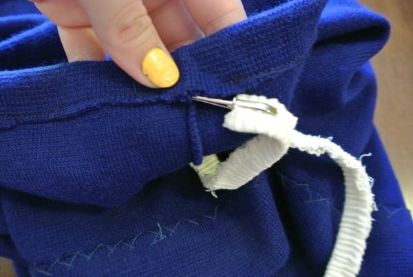 adding elastic to skirt casing