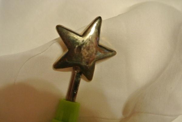 sad star button
