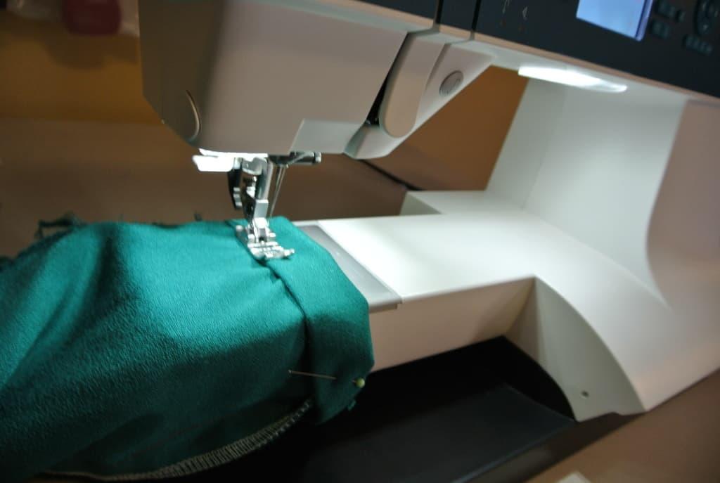 sewing sleeve bottom