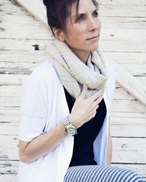 Infinity-Scarf-From-Old-Sweater-6-480x600