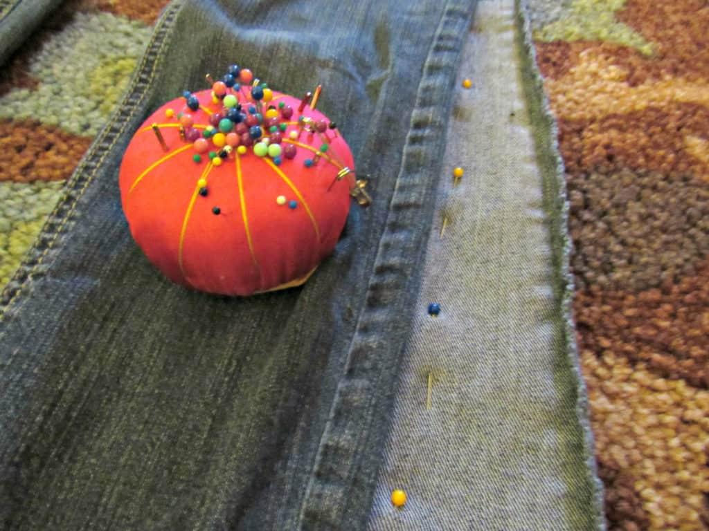 pinning jeans leg