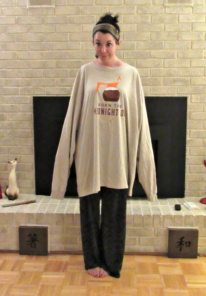 refashionista in oversized longsleeve shirt