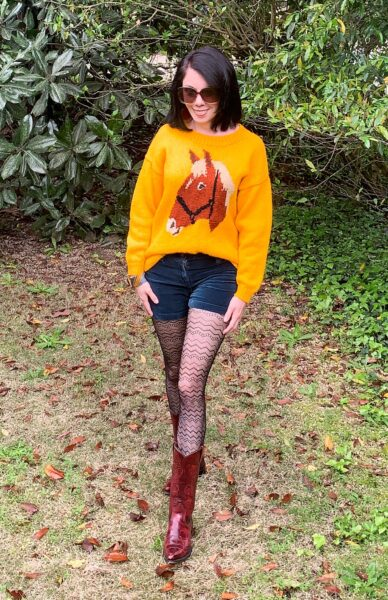 thrift store style refashionista horse sweater outfit