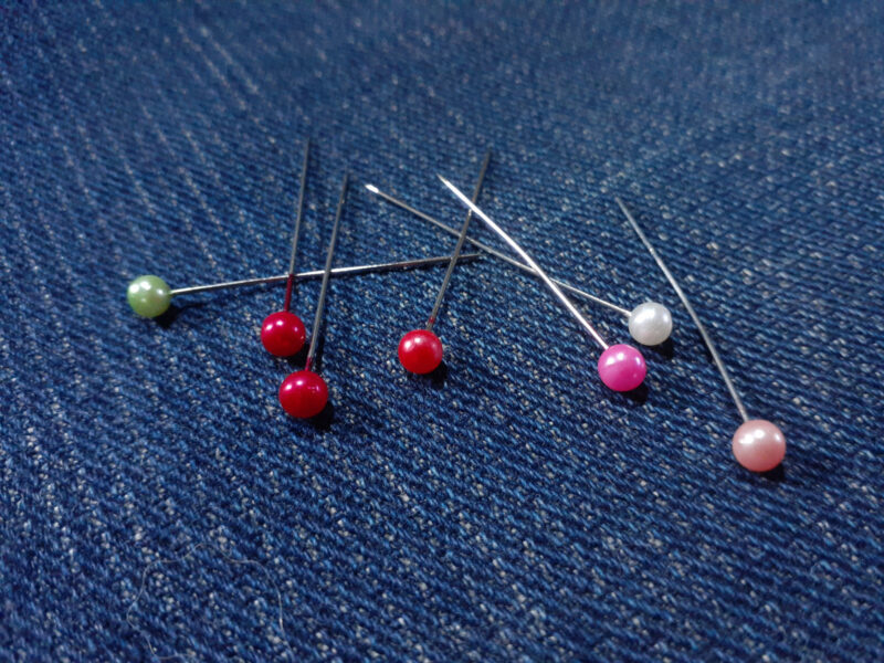 Colorful sewing pins