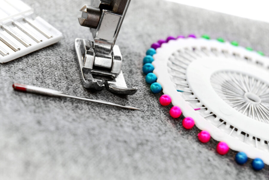 sewing-supplies-sewing-machine-needles