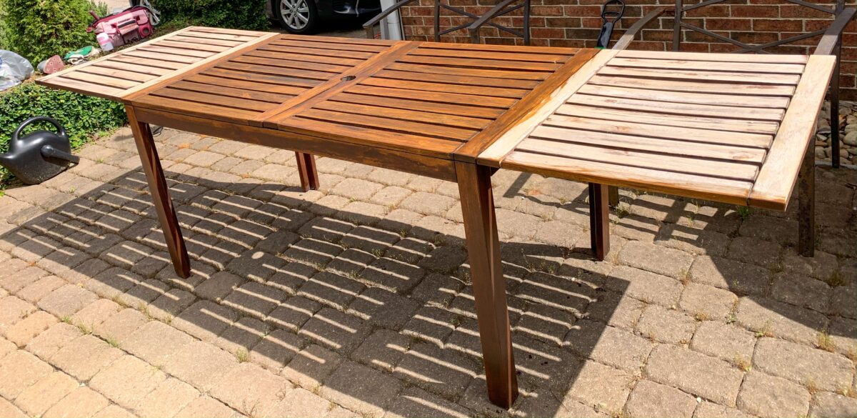 staining leaves of outdoor table