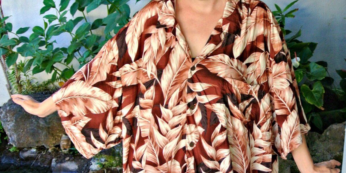 No-Sew Hawaiian Shirt to Dress Refashion & Thrifting in Hawaii! 3