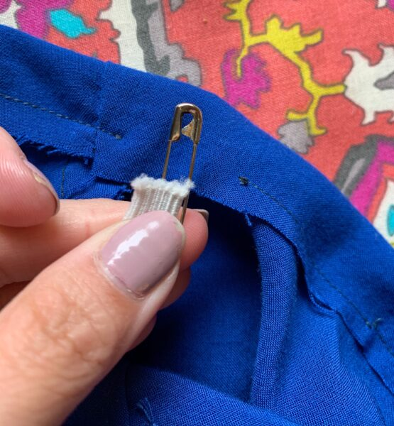 Safety pin with elastic