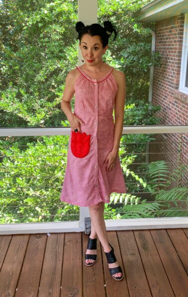 Refashionista Gingham House Dress to Fit & Flare Sundress Refashion After