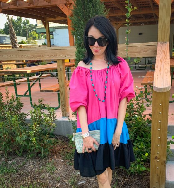 refashionista in H&M inspired dress with accessories