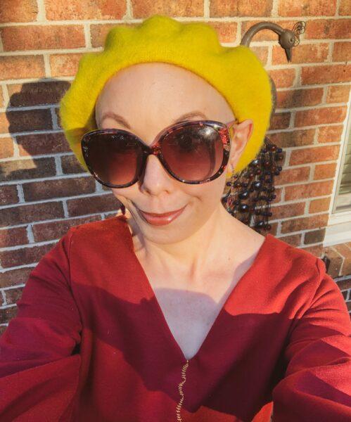 refashionista in beret selfie