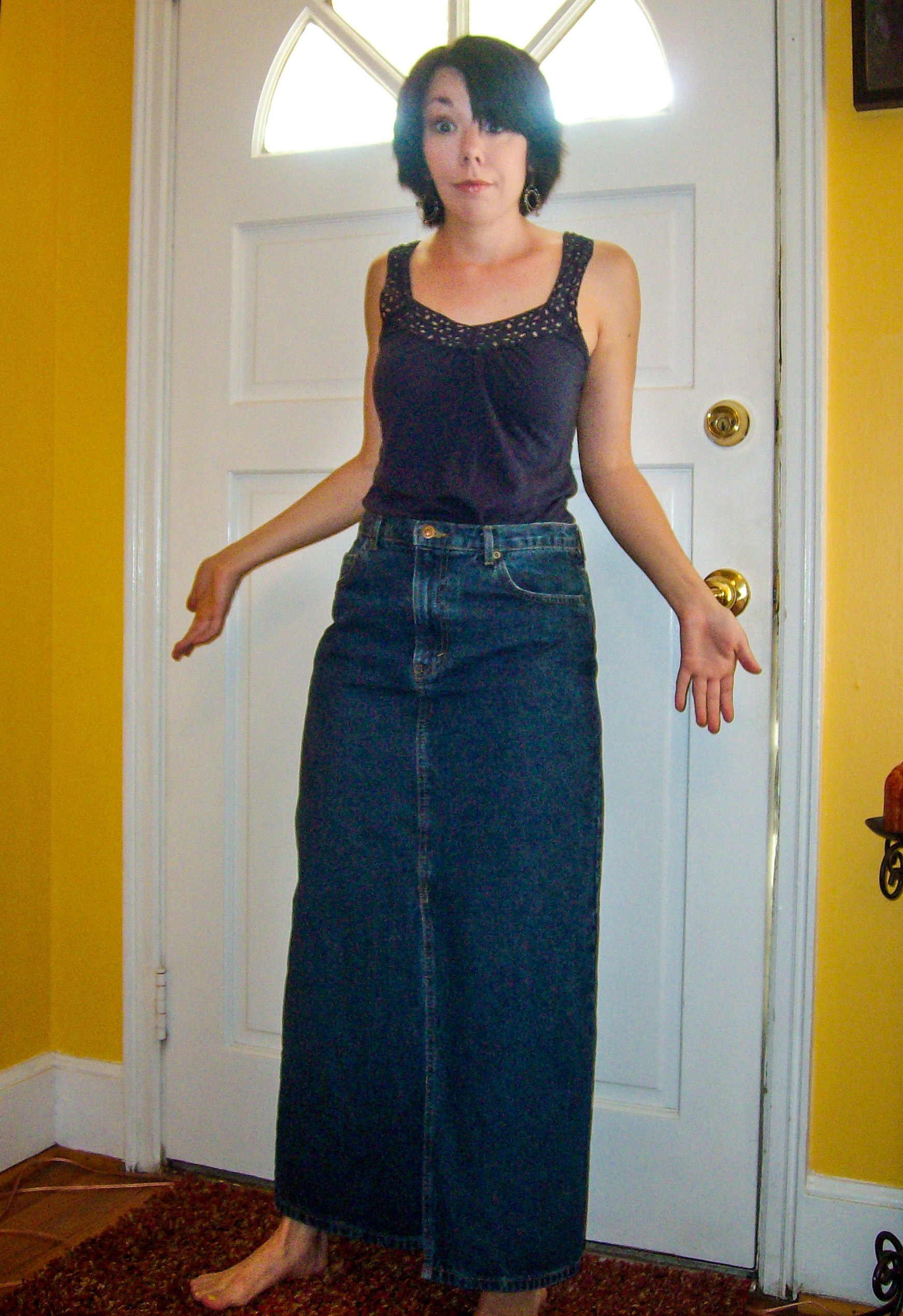 diy distressed denim skirt refashion