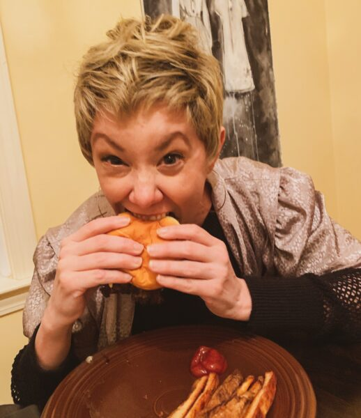 refashionista eating burger