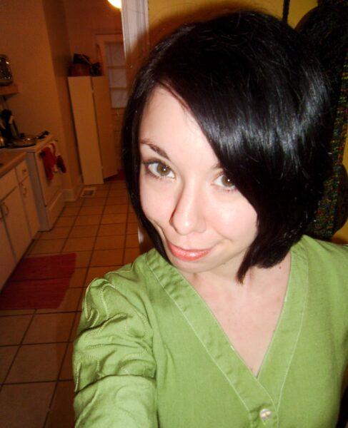 apple dyed dress selfie