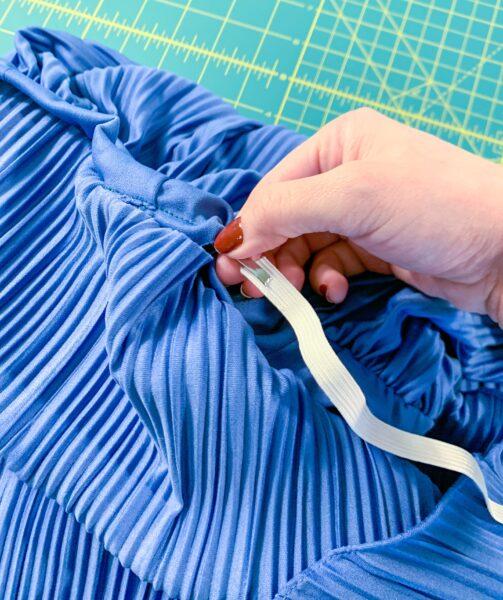inserting elastic into casing